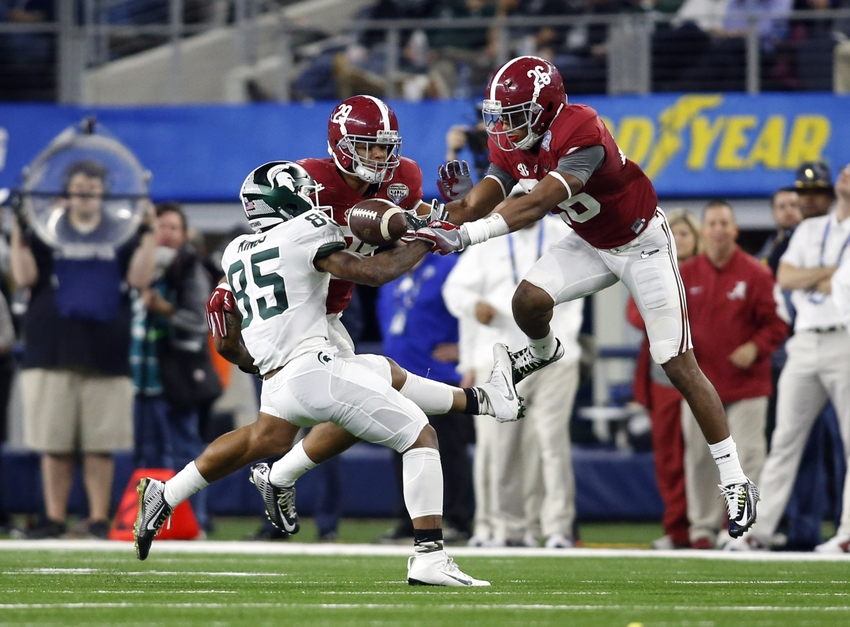 Tennessee Titans draft Derrick Henry in second round